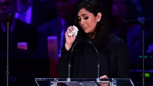 Kobe Bryant, daughter Gianna honored at public memorial at Staples Center