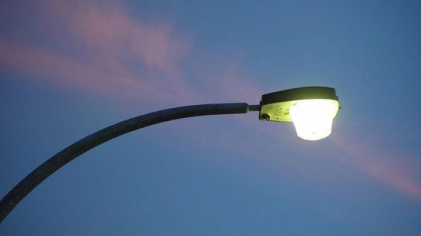 Officials: 200K efficient LED streetlights in place across Chicago