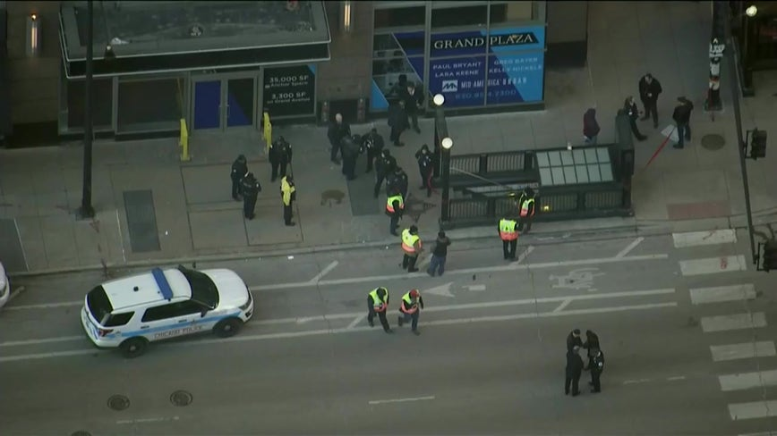 Chicago police shoot man at CTA Red Line station