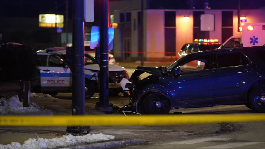 5 Chicago cops hurt after police cars crash in South Chicago