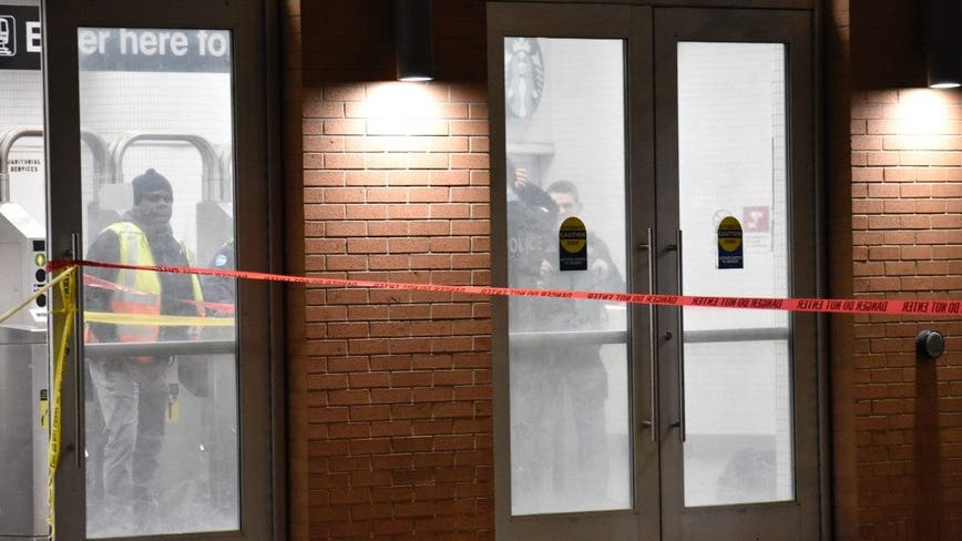 Teen stabbed in Ranch Triangle runs to North/Clybourn Red Line station to get help