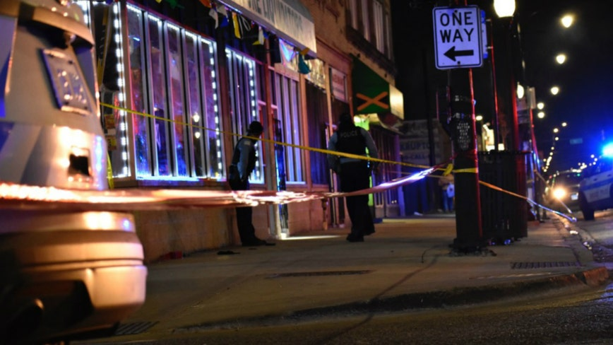 Man, 40, fatally shot outside South Side convenience store