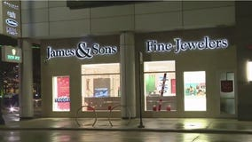 Jewelry store robbed after burglars cut through drywall