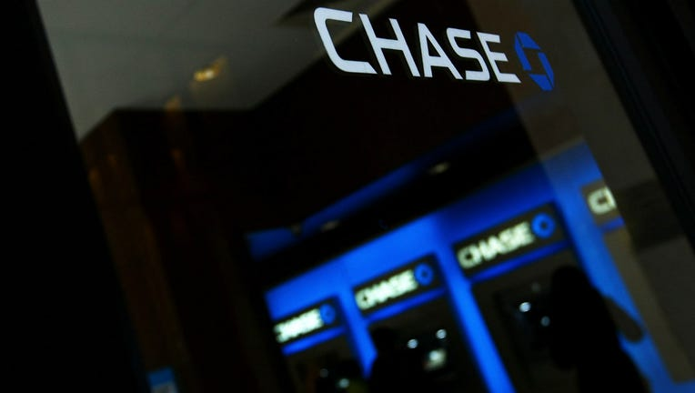 Chase Bmo Harris Close Dozens Of Chicago Area Bank