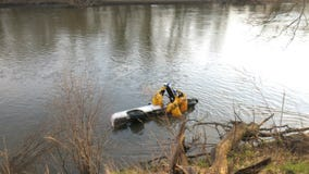 Driver critical after speeding pickup crashes into Des Plaines River
