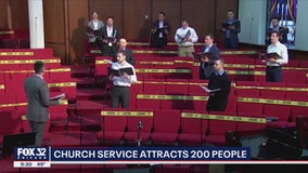 Chicago church service on Mother's Day attracts 200 people