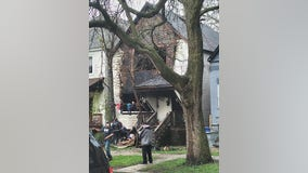 Man dies, 2 others hurt in Englewood fire