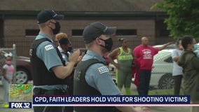 Chicago police, residents gather in South Shore to honor victims of gun violence