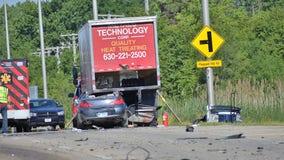 2 dead in fiery Carol Stream crash: coroner
