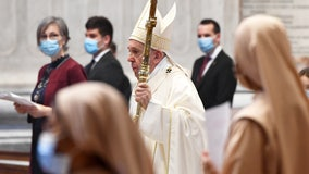 Pope leads mass for regular congregants for the first time since coronavirus outbreak began