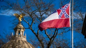 Mississippi state governor says he will sign law to remove Confederate symbol from flag if passed