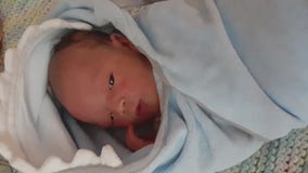 Homeless veteran delivers his own baby in the car he and his wife are living in