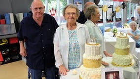 Texas couple married 53 years dies minutes apart while holding hands