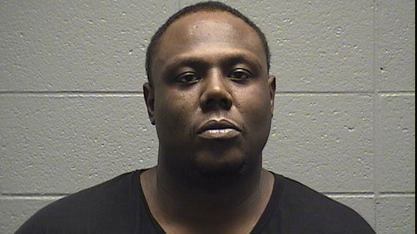 Man charged with gunning down Chicago woman, wounding her sister in Maywood