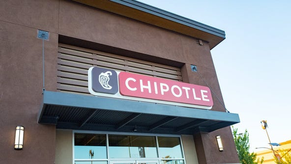 Chipotle to hire 10,000 employees