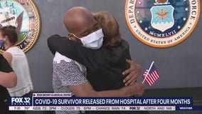 Veteran leaves Chicago hospital after battling COVID-19 for 4 months, reunites with family