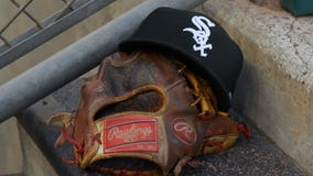 Reds take advantage of wild White Sox pitching for 7-3 win