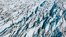Greenland lost 586 billion tons of ice in record melt last year