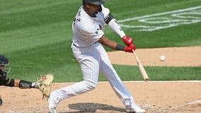 White Sox slugger Jiménez sidelined with bruised foot