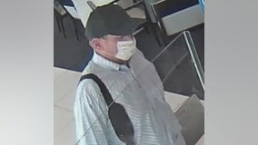 Fifth Third Bank robbed in Lincoln Park