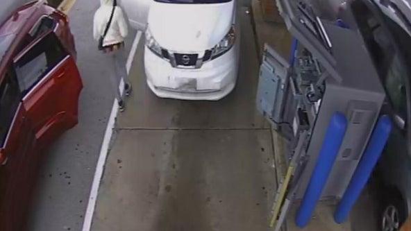 ATM servicer robbed at gunpoint at Calumet City bank