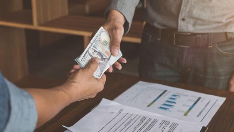 Credible-small-personal-loan-iStock-1022801038.jpg