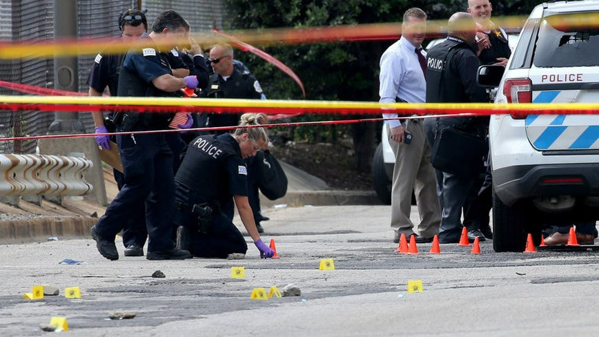 In Chicago, federal agents hit the streets as homicides spike