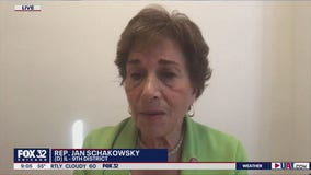 Rep. Jan Schakowsky reacts to the first presidential debate