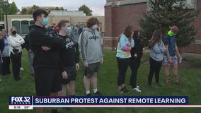 Parents, students rally in Glen Ellyn pushing for return to classroom
