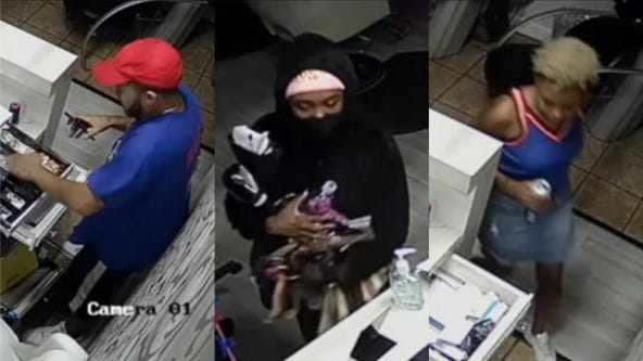 Police share video of 5 people looting Near North salon