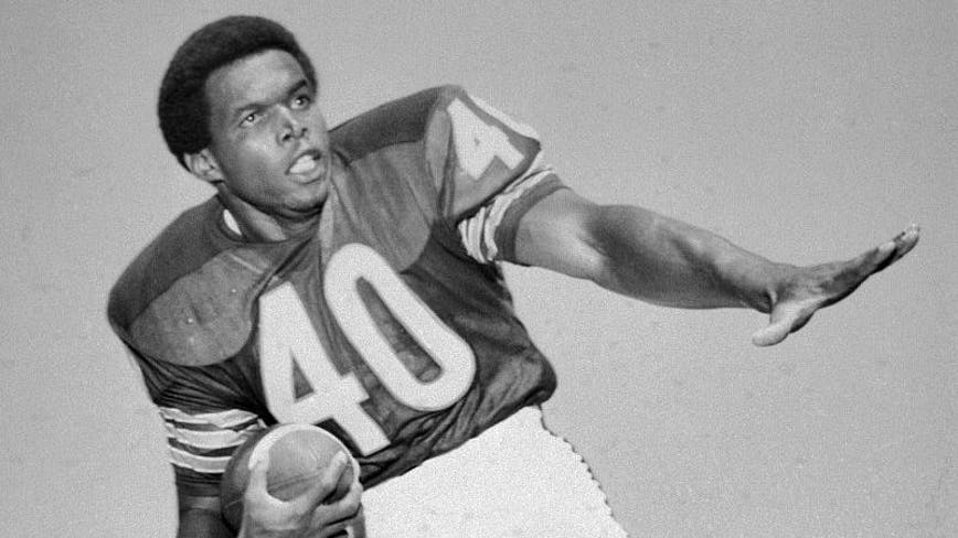 Bears legend Gale Sayers dead at 77