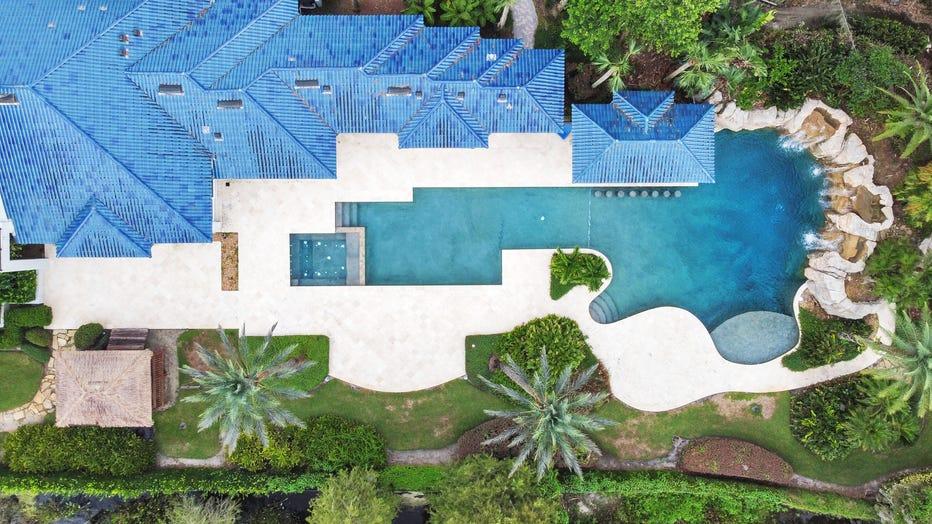 7.-Aerial-Pool-View.jpg