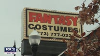 Chicago Halloween stores nearly empty amid pandemic