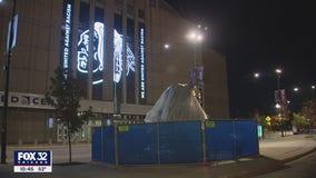 Blackhawks statue outside United Center vandalized