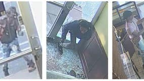 Suspects sought in South Loop looting