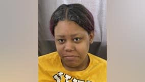 Woman, 18, missing from Near South Side