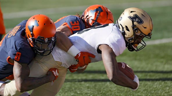 Purdue beats quarterback-depleted Illinois 31-24