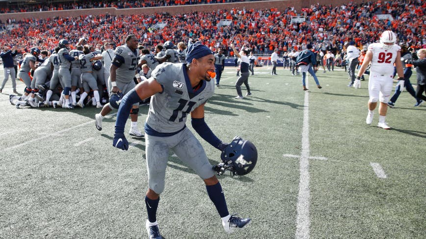 Illinois seeking to surprise No. 14 Wisconsin one more time