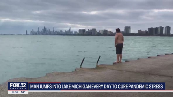 Chicago bus driver jumps into Lake Michigan for 365th straight day to relieve stress