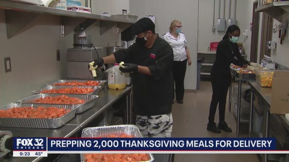 Chicago volunteers prep 2,000 Thanksgiving Day meals for those in need