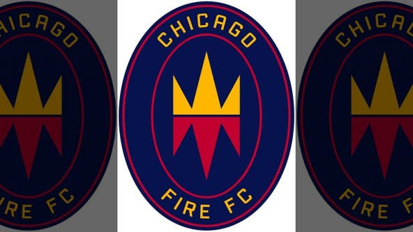 10-man Chicago holds on for 1-1 tie with Philadelphia