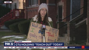 """CTU members hold """"teach out"""" demonstration in protest of CPS reopening plan"""