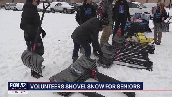 Chicago volunteers help clear snow for seniors, others after winter storm
