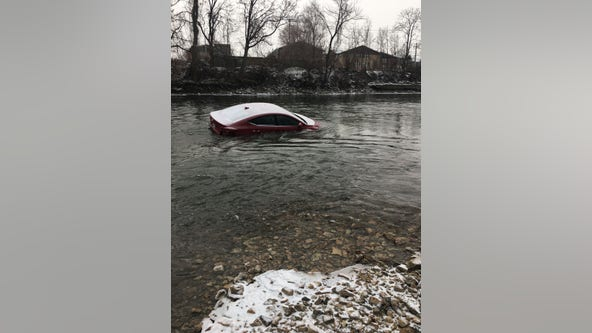 Car, body found in Des Plaines River