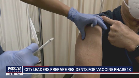City leaders prepare Chicago residents for next phase of vaccine distribution