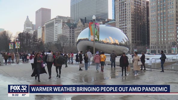 Warmer weather brings lots of people out in Chicago