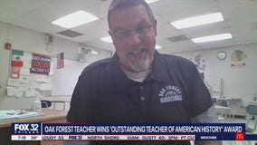 Oak Forest teacher who took his virtual classes on the road wins 'Outstanding Teacher of American History Award'