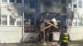 Firefighters battle blaze in Marquette Park