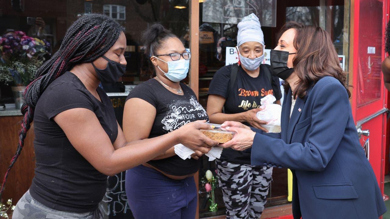 Vice President Kamala Harris visits South Side Chicago bakery