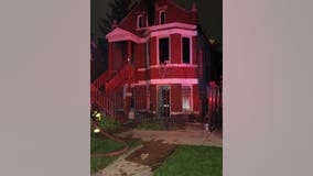 Man dies in Little Village house fire, 4 people displaced